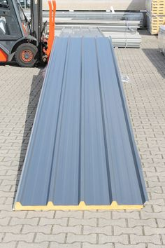 Roof Cladding, House Cladding, Exterior Cladding, Facade House, House Roof, Minimal House Design, Tiny House Design, Hip Roof Design, Sips Panels