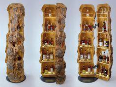 Die Stamm-bar ist sowohl eine hölzerne Skulptur als auch ein natürliches Lifes. The Stamm-bar is both a wooden sculpture and a natural lifestyle piece of furniture that fits just as well in a cozy l Rustic Log Furniture, Driftwood Furniture, Cool Furniture, Diy Wood Projects, Furniture Projects, Wood Crafts, Woodworking Projects, Diy Home Bar, Wood Creations