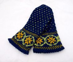hand knitted wool mittens knitted blue by peonijahandmadeshop