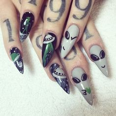 20 Worth Trying Long Stiletto Nails Designs - Style & Designs Cute Nails, Pretty Nails, Hair And Nails, My Nails, Alien Nails, Long Stiletto Nails, Pointed Nails, Manicure, Flower Nails