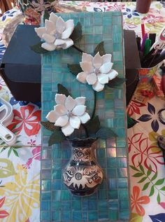 Vickie Beames Mosaic Crafts, Mosaic Projects, Art Projects, Projects To Try, Mosaic Wall, Mosaic Glass, Mosaic Tiles, Mosaic Flower Pots, Mosaic Garden