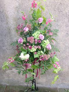 Pedestal arrangement by loubeeblooms.com Pedestal, Floral Wreath, Wreaths, Home Decor, Floral Crown, Decoration Home, Door Wreaths, Room Decor, Deco Mesh Wreaths