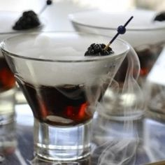 Black vodka cocktails for your spectacular #Halloween bash