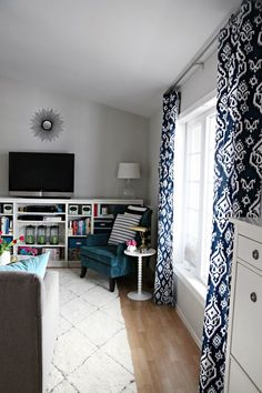 New living room grey navy curtains ideas Navy Living Rooms, Living Room Redo, Home Living Room, Apartment Living, Living Spaces, Curtains For Grey Walls, Navy Curtains, Bedroom Curtains, Gray Walls