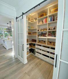 Dream Home Design, Home Design Decor, Küchen Design, Design Case, Home Interior Design, Design Ideas, Clean Design, Kitchen Pantry Design, Home Decor Kitchen