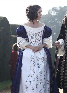 Historical Women, Historical Clothing, Rococo Fashion, Vintage Fashion, Catherine Of Braganza, Rococo Dress, 17th Century Fashion, Corset, The Great Fire
