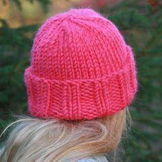 простые шапки с отворотом вязаные спицами женские вязаные шапочки