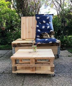 we would love to show you the patio furniture idea which you will not see in any store because it is made by hand and you can copy it for the impressive setting of your home.