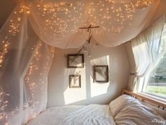 Dream Bedrooms: Tulle Canopy + Fairy Lights