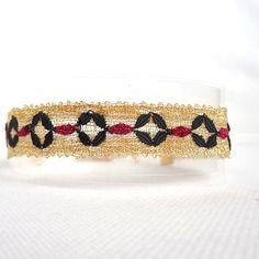 Lace Bracelet, Beaded Bracelets, Vintage Crafts, Bobbin Lace, Textile Artists, Unique Vintage, Boho Fashion, Textiles, Romantic