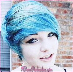 Emo hair is well known for straightened angled bangs in various dark shades. The amazing emo pixie hairstyles with brilliant highlights and a lot of texture. Short Emo Haircuts, Scene Haircuts, Cute Hairstyles For Short Hair, Girl Haircuts, Pixie Hairstyles, Scene Hairstyles, Blue Hairstyles, Summer Hairstyles, Latest Haircuts