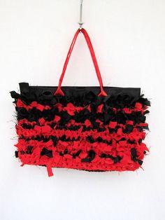 Ähnliche Artikel wie Handtasche, handgemachte Handtasche, Boho, Chabby  chic, rote Handtasche, rote und schwarze Handtasche, häkeln Handtasche, ... efaa0a1bbb