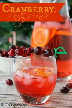 Cranberry Party Punch - A non-alcoholic party punch perfect for special occasions and holidays. So easy and so refreshing! A non-alcoholic party punch perfect for special occasions and holidays. So easy and so refreshing! Party Drinks Alcohol, Non Alcoholic Drinks, Fun Drinks, Yummy Drinks, Beverages, Alcoholic Punch, Cocktails, Mixed Drinks, Cold Drinks