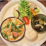 難波神社の裏手の緑に囲まれた隠れ家カフェ♡ドアーズ・ダイニング/Doors Dining