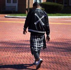 #black #allblack #allblackeverything #allblackoutfit #alwaysinblack #blacknwhite #blackfashion #polkadotpants #plaidshirt #MichaelKors #CalvinKlein #Converse #whiteConverse #menwithbeard #mensfashion #mensfashionstyle #menstyle #mensstyle #fashion #style #stylish #stylishmen #guysfashion #guysstyle #streetstyle #streetwear #streetfashion #NYC #nycfashion • • • @duanebonaparte http://butimag.com/ipost/1495771006907087032/?code=BTCC85MBni4