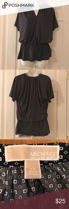 Michael Kors Top Excellent condition. Grey with white pattern. Size XS. 94% polyester 6% spandex Michael Kors Tops Blouses