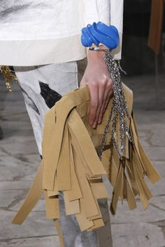 Loewe Spring 2016 Ready-to-Wear Accessories Photos - Vogue