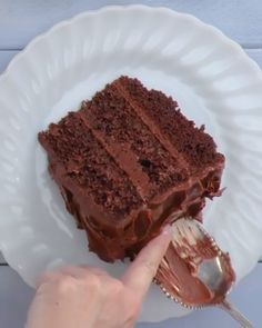 This simple Moist Chocolate Cake recipe is completely homemade and incredibly moist from using oil instead of butter! Seriously, it's so easy to make and the best moist chocolate cake you'll ever have! Best Moist Chocolate Cake, Chocolate Recipes, Chocolate Sponge, Chocolate Chocolate, Chocolate Cake Video, Chocolate Deserts, Chocolate Protein, Homemade Chocolate, Food Cakes
