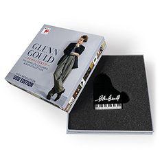 Glenn Gould Remastered - The C Sony Music Classical http://www.amazon.co.jp/dp/B00WSAVRMA/ref=cm_sw_r_pi_dp_vzvEwb0B2J47V ・自分自身です。グレン・グ―ルドの録音がすべて網羅されておりなおかつピアノ型のUSBというコレクション性も高いもので絶対買いたいと思いました。 ・ギフトのようなものかもしれません。以前から欲しかったもので自分へのご褒美として購入します。  ・ゆっくりした休みの日にじっくり聴きたいです。  ・amazonで購入します。近くでは売っていないので。音楽は基本的にamazonが多いです。やはり扱っている量が違います。  ・すでに注文済みです。ちょうどクリスマスに届くのでプレゼントみたいになりますね(笑