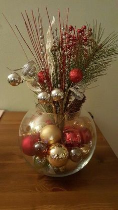 Easy Christmas Decoration That Are Within Your Budget yet looks Gorgeous - Hike n Dip - - Here are easy Christmas decoration ideas which are within your budget. These dollar store Christmas decor ideas are cheap DIY Frugual Decorations for Xmas. Christmas Vases, Christmas Table Centerpieces, Easy Christmas Decorations, Dollar Store Christmas, Christmas Arrangements, Noel Christmas, Rustic Christmas, Simple Christmas, Christmas Wreaths