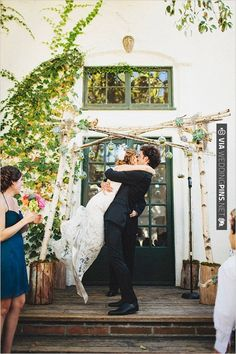 wedding kiss | CHECK OUT MORE IDEAS AT WEDDINGPINS.NET | #weddings