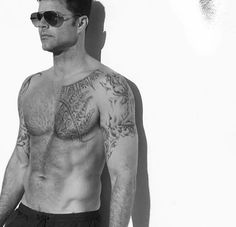 Your Daily Dose of Ricky Martin — Ready, set, go. Ricki Martin, Pop Musicians, Rick Y, Le Male, Shirtless Men, Man Photo, Hairy Men, Good Looking Men, Perfect Man