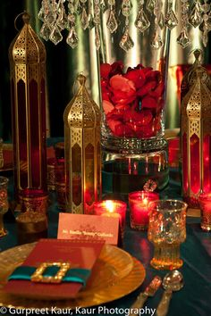 ANAIS+EVENTS-10 Indian Weddings Menus with rose petal decor