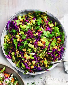 This vibrant vegan salad makes an exciting take-to-work lunch or colourful side dish, made from crunchy red cabbage, nutty quinoa and creamy avocado. What Is Quinoa, How To Cook Quinoa, Healthy Salad Recipes, Vegan Recipes Easy, Vegan Meals, Healthy Foods, Healthy Life, Vegetarian Recipes, Healthy Eating
