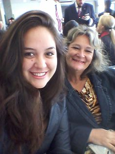 Aeroporto de Campo Grande, Mato Grosso do Sul/ Brasil. Eu e minha mãe esperando para o embarque. Destino: Espírito Santo!
