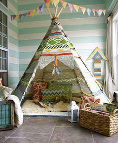Creare un angolo lettura per bambini in cameretta o in salotto - Tende gioco per bambini - Tepee indiano con cesta di libri