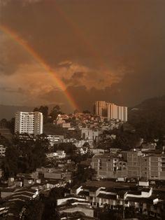 Aún en las vidas más oscuras de vez en cuando sale el arcoiris.