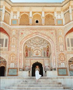 Amer Fort (or Amber Fort) in Jaipur, India has gorgeous detail in every corner. Jaipur Travel, India Travel, Oh The Places You'll Go, Places To Travel, Travel Destinations, Tara Milk Tea, Amer Fort, Jaipur India, India Asia