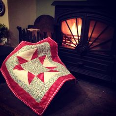 Dolly quilt, cosy by the fire !