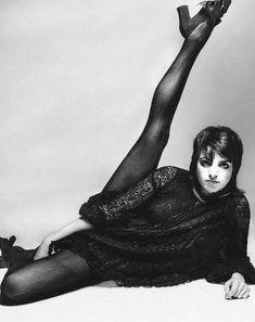 Celebrity Photoshop Fails, Royal Logo, Bert Stern, Celebrity Style Casual, Liza Minnelli, Leg Raises, Legs, Black And White, Celebrities