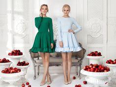 Платье «Софи» зеленое — 16 990 рублей, Платье «Софи» голубое — 16 990 рублей