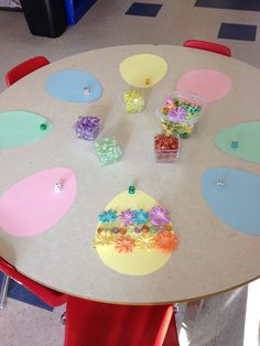 Decorating eggs with loose parts