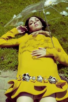 Mirielle Butigian in Miu Miu, photographed by Jamie Nelson for Elle Mexico, 2010 60s And 70s Fashion, Retro Fashion, Vintage Fashion, Yellow Fashion, Teen Fashion, Fashion Tag, 60s Inspired Fashion, Spring Fashion, Fashion Women