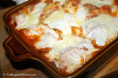 Giada's Cheesy Baked Tortellini  EK made these for us when C was born - yummy!!!