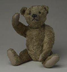 http://makeyourownteddybear.net/wp-content/uploads/2011/04/Steif_1915Teddy_bear.jpg