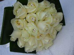 """Ανθοστολισμοί """"Κύπρος"""" στο www.GamosPortal.gr #nyfiko mpouketo #ανθοδέσμη γάμου"""