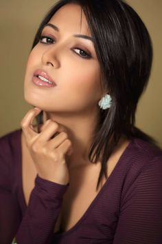 Catherine Tresa bra show via brown tops. Catherine Tresa Navel show. Catherine Tresa cute stunning look. Catherine Tresa see through bra and cleavage show. Girl Face, Woman Face, India Beauty, Asian Beauty, Beautiful Eyes, Gorgeous Women, Brunette Beauty, Hair Beauty, Hot Brunette