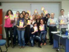 """Los alumnos del Curso de coaching  profesional nivel avanzado, impartido en Cegos, con el libro """"Esto es coaching"""" ¡¡Vaya momento más bonito!! ¡¡Muchas gracias por vuestro apoyo!!"""