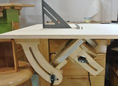 Homemade table saw: Angle lock and table saw inserts
