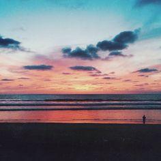 BEACH.PLEASE #sunset #beautiful #peaceful #caciqueboutique