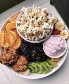 Healthy Meal Prep, Healthy Snacks, Vegetarian Recipes, Healthy Recipes, Food Goals, Food Is Fuel, Aesthetic Food, Food Cravings, Food Inspiration