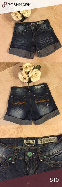 Cute Jean Shorts Cute Jean shorts in excellent condition, they are 98% cotton and 2% spandex, so comfortable and cute! Thanks for looking  Indigo Rein Shorts Jean Shorts