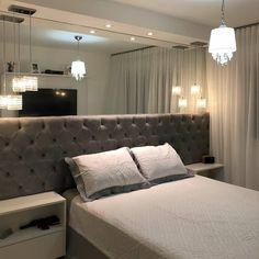 Small Room Bedroom, Home Bedroom, Bedroom Wall, Homer Decor, Bedroom Decor For Women, Mirrored Bedroom Furniture, Rich Home, Modern Bedroom Design, Suites