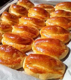 Τυροπιτάκια φανταστικά !!!! ~ ΜΑΓΕΙΡΙΚΗ ΚΑΙ ΣΥΝΤΑΓΕΣ 2 Pureed Food Recipes, Greek Recipes, Cooking Recipes, Dinner Recipes, Dessert Recipes, Desserts, Greek Sweets, Mini Cheesecakes, Hot Dog Buns