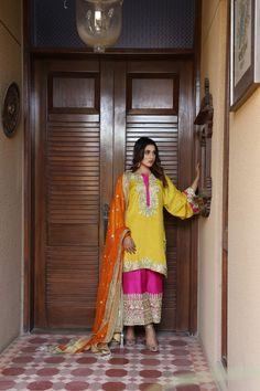 Beautiful Pakistani Dresses, Pakistani Formal Dresses, Pakistani Fashion Party Wear, Pakistani Wedding Outfits, Pakistani Dress Design, Fancy Dress Design, Stylish Dress Designs, New Dress Pattern, Mehendi Outfits