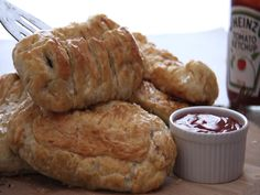 Perfect Boerie Pies South African Homes, Food Videos, Easy Meals, Bread, Recipes, Rezepte, Breads, Baking, Easy Dinners